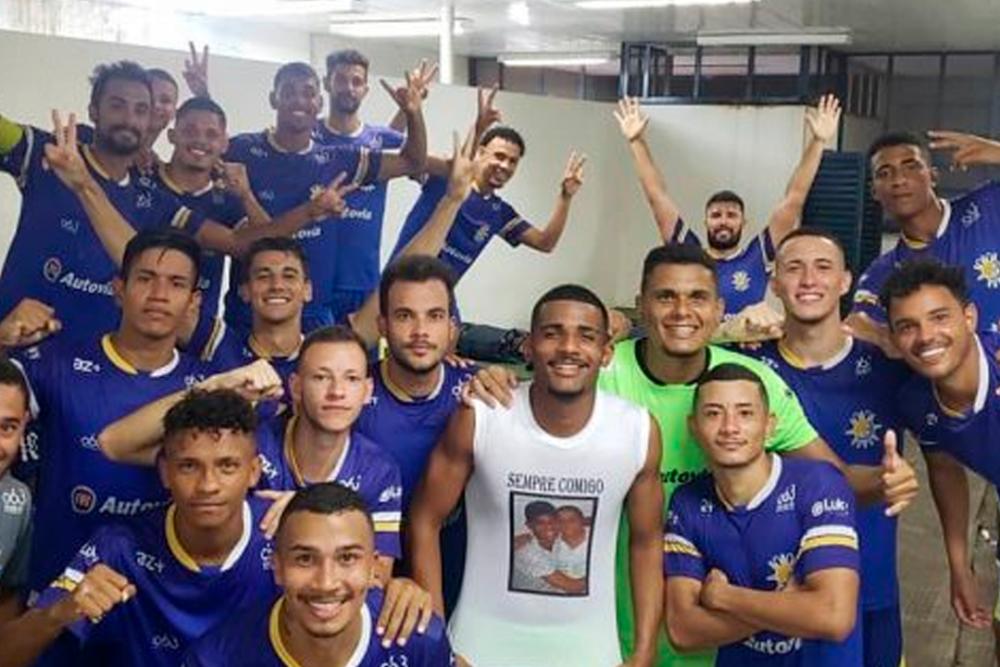 Jugadores de  Palmas Fútbol y Regatas. Oficial Palmas.png
