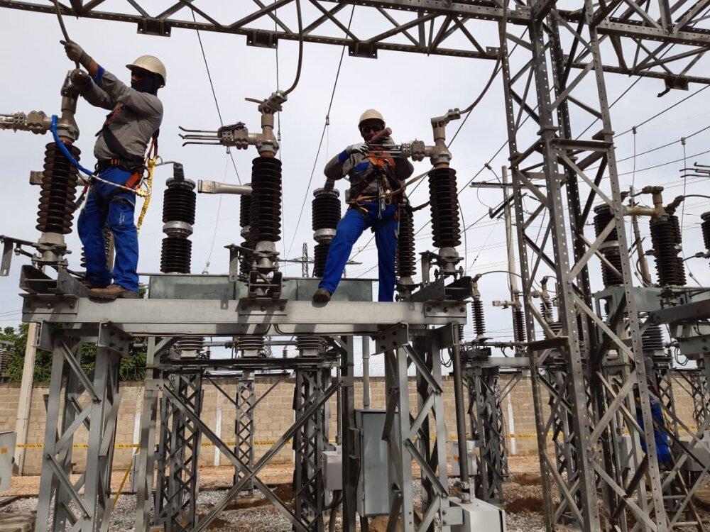344718_BLU Radio// Trabajadores de Electricaribe. Foto: Twitter Electricaribe