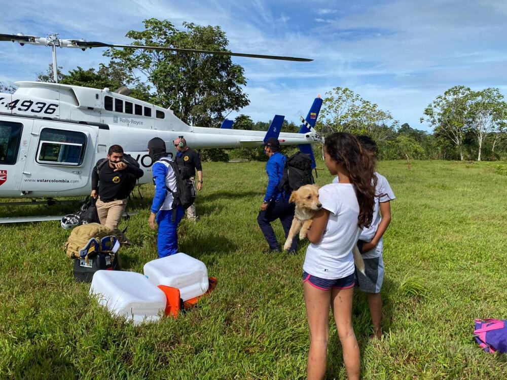 Rescate menores en Mutatá tras creciente de un río.jpg