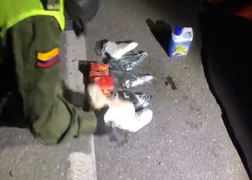 372740_Hallan material de guerra en llanta de repuesto en Antioquia - Foto: Video Polícia Nacional