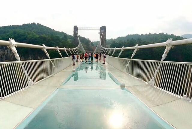 puente-con-piso-de-vidrio.jpg