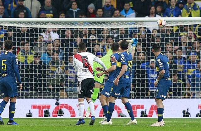 335255_El gol de 'Juanfer' Quintero contra Boca