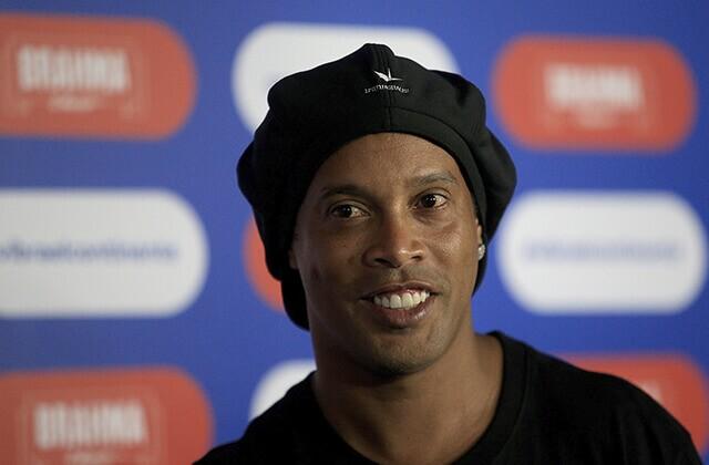 334405_Ronaldinho