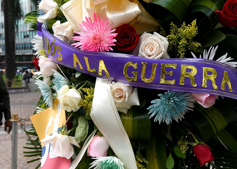 """145528_""""Q.E.P.D. la guerra en Colombia. 1964-2016"""" – Foto: AFP"""