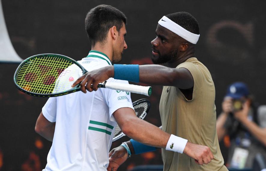 Novak Djokovic clasificó a tercera ronda del Abierto de Australia.