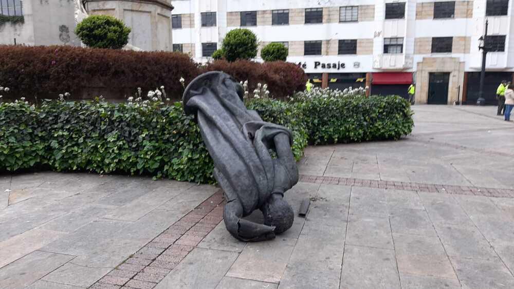 estatua gonzalo jimenez blu radio.jpg