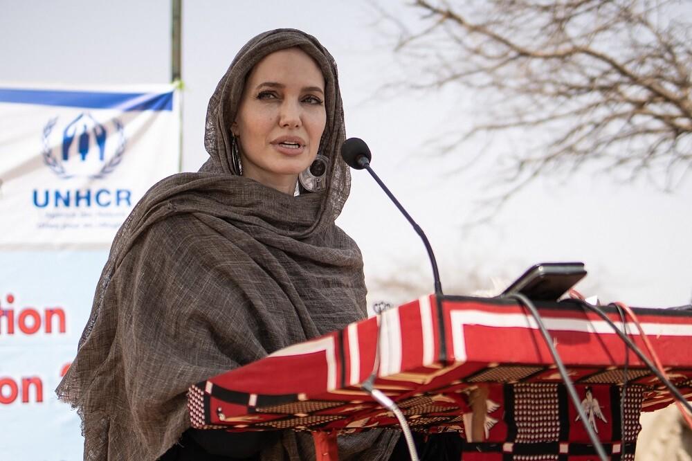 Angelina Jolie abre cuenta de Instagram y habla de situación en Afganistán