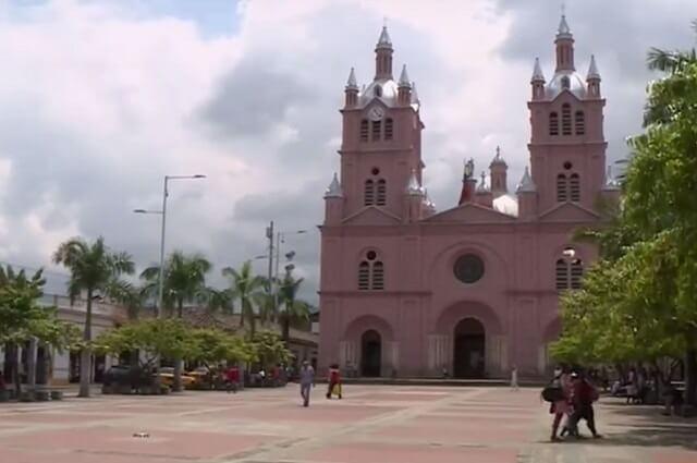 basilica_de_buga_1.jpg