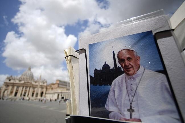 papa francisco carta con balas