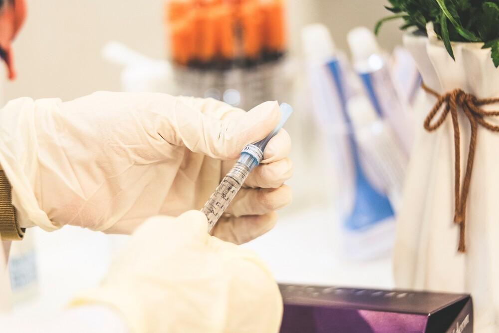 Vacuna contra el COVID en Colombia no será obligatoria.jpg