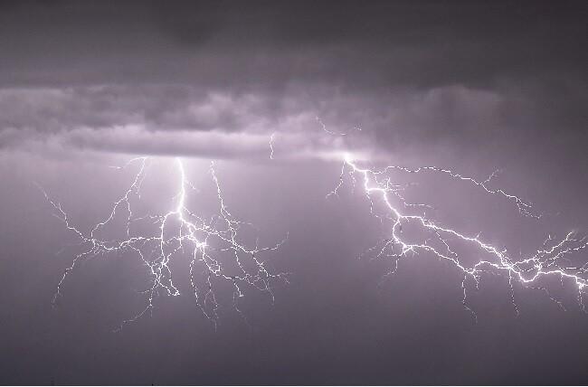 rayo tormenta electrica