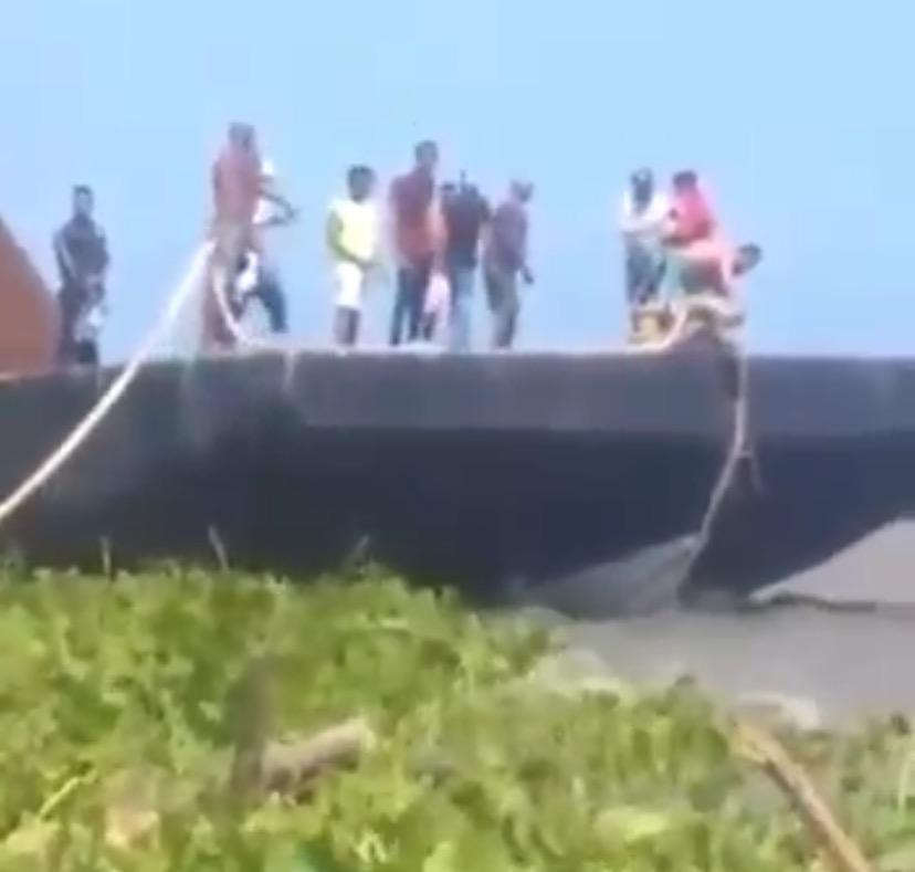 Colisiona embarcación menor