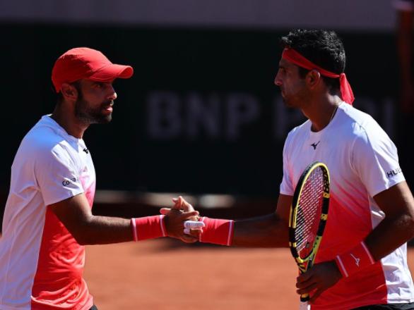 Juan Sebastián Cabal y Robert Farah clasificaron a cuartos de final del Roland Garros.