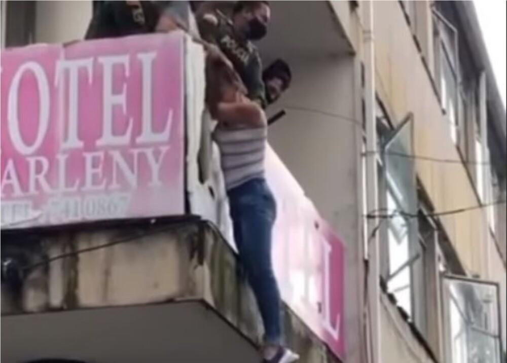 Mujer en Armenia Foto Captura de Video (1).jpg