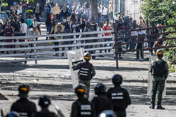 venezuela-bloqueos_1.jpg