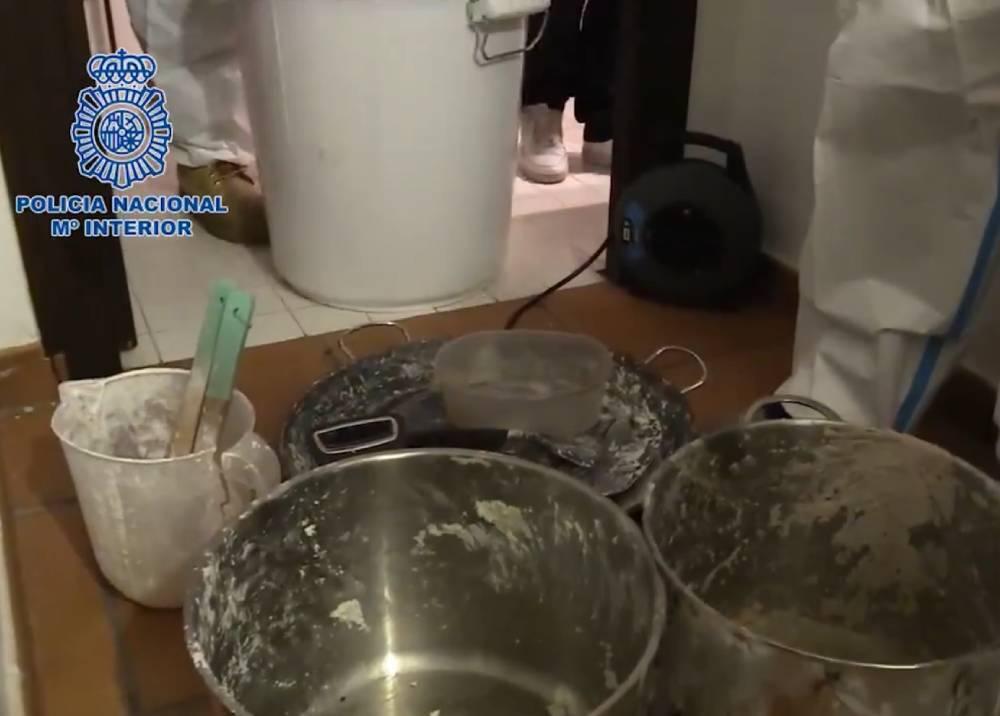 Caen cuatro colombianos en laboratorio de cocaína en España.jpeg