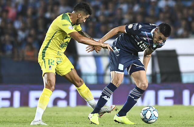 333354_Acción de juego en el fútbol argentino