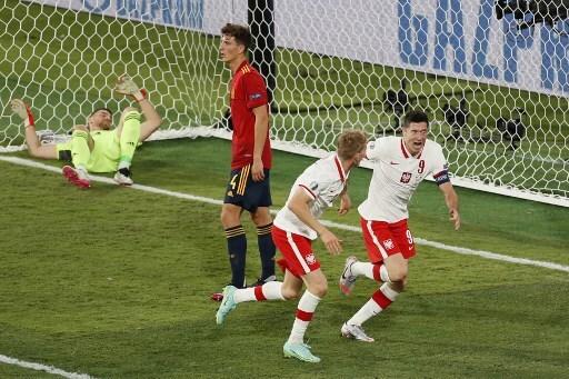Jugadores de Polonia celebran