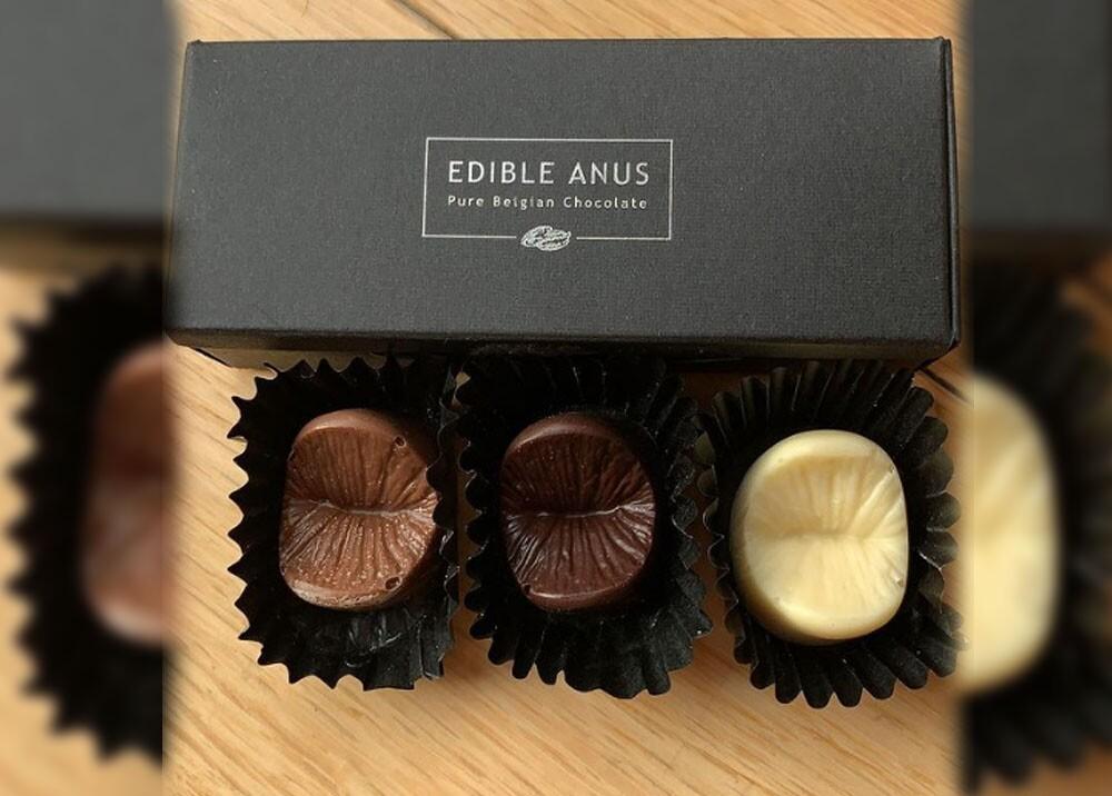 chocolates hechos con el molde de un ano.jpg