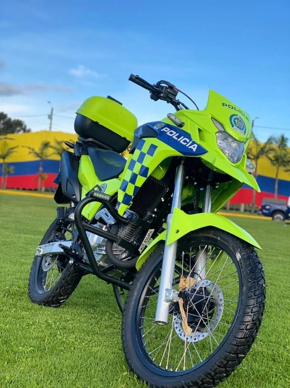 Policía moto.jpg