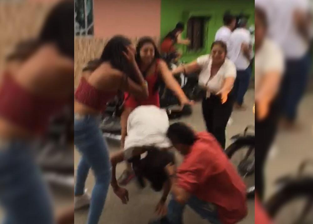 pelea en segovia Antioquia de amor y amistad.jpg
