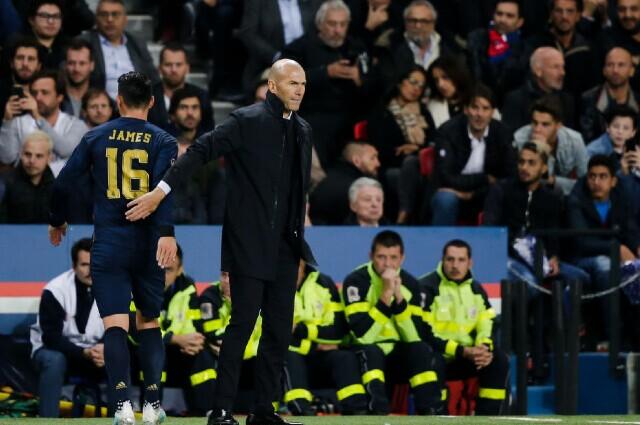 339593_James Rodríguez y Zinedine Zidane