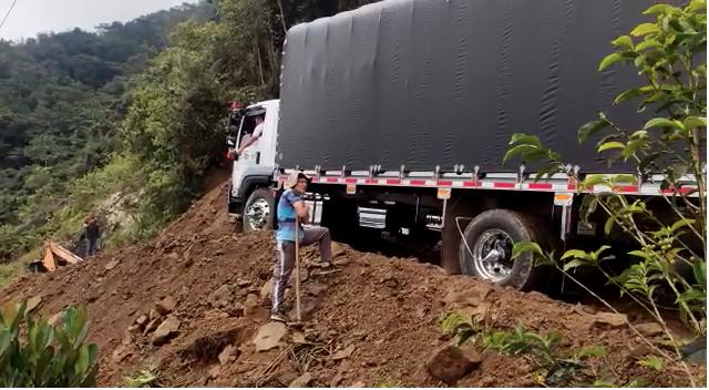 Derrumbe entre Urrao y Betulia, Antioquia.png