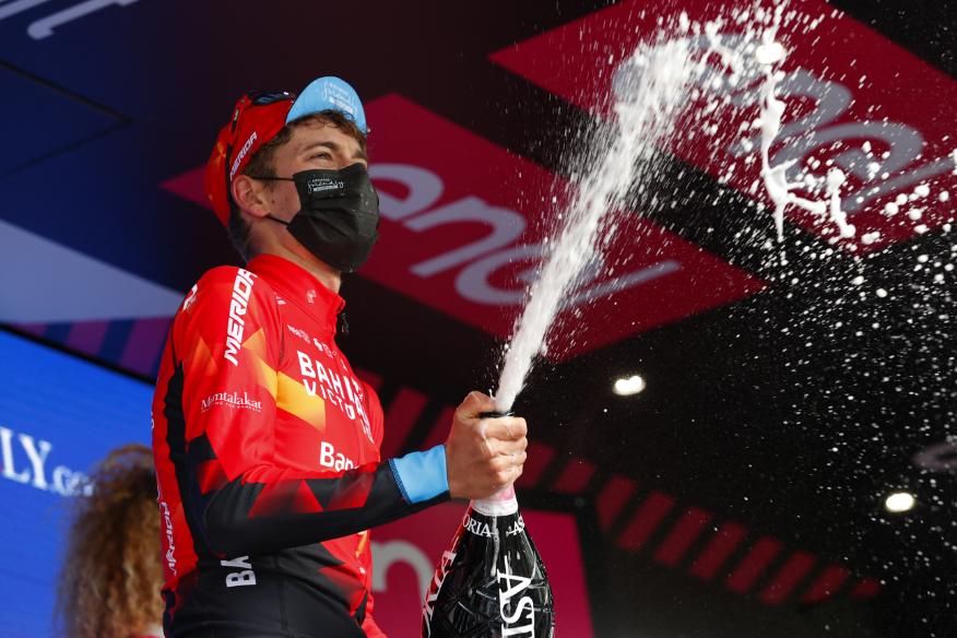 Gino Mader ganó la etapa 6 del Giro de Italia 2021.