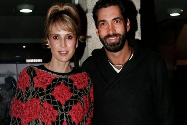 Alejandra Azcárate y su esposo