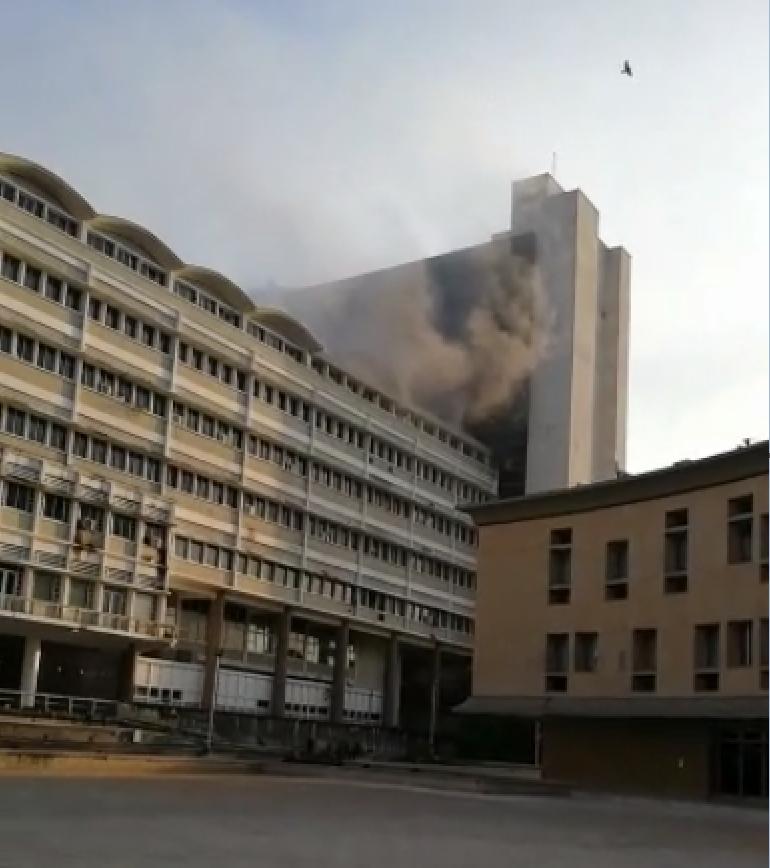 347204_BLU Radio // Incendio Centro Cívico // Foto: Cortesía
