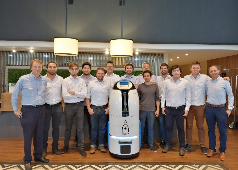 333854_BLU Radio. Robot 'Thalon' // Foto: Millenium BPO