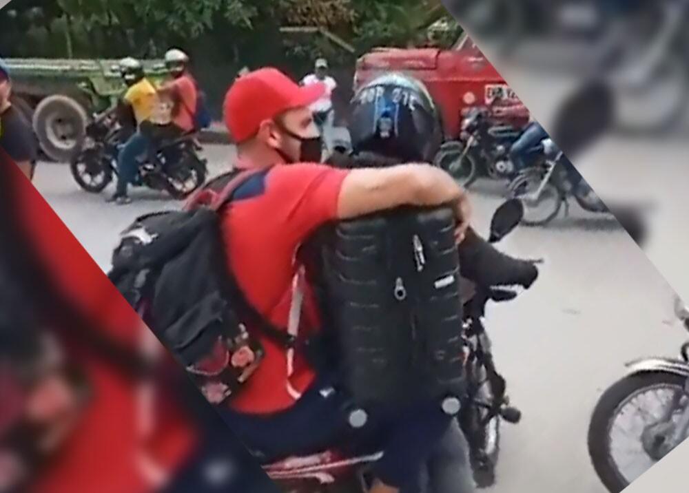 jugadores del junior de barranquilla en moto.jpg
