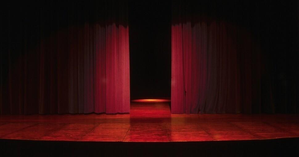 384062_teatro1.jpg