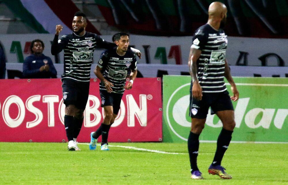 Jugadores de Junior celebrando un gol. Dimayor.jpeg