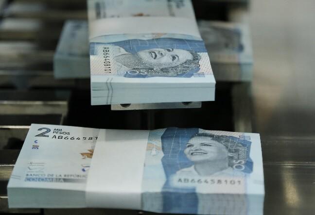 billetes colombianos_col.jpg