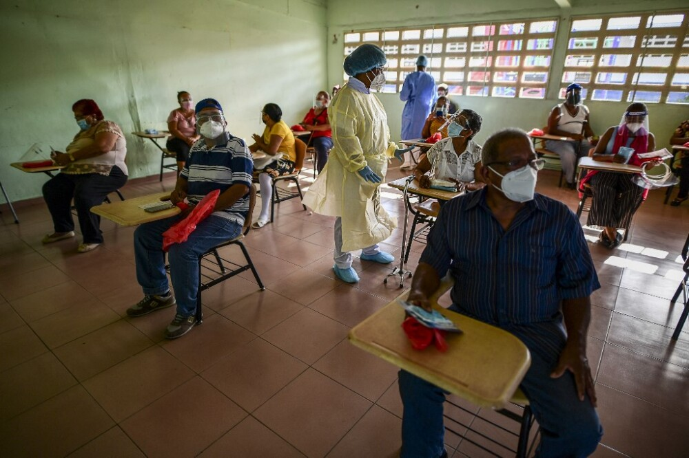 Vacunación contra el COVID-19 en Panamá.jpeg