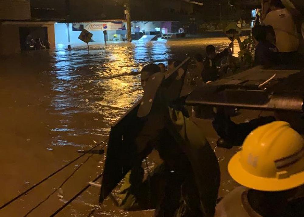 347081_BLU Radio. Emergencia en Apartadó por creciente de río deja varios barrios inundados // Foto: Suministrada