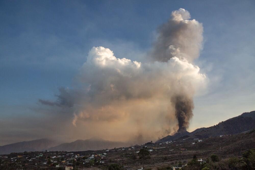 Erupción volcán Cumbre Vieja.jpg