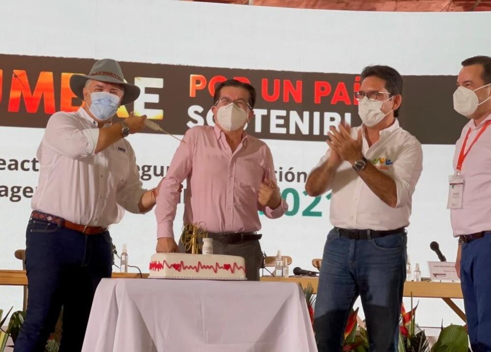 Presidente Duque y ministro Ruiz.jpg
