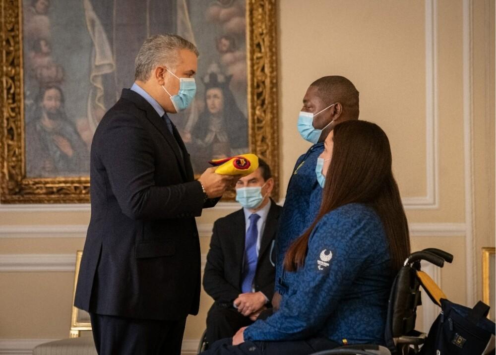 Presidente Duque entrega pabellón nacional a deportistas paralímpicos Foto Presidencia.jpg