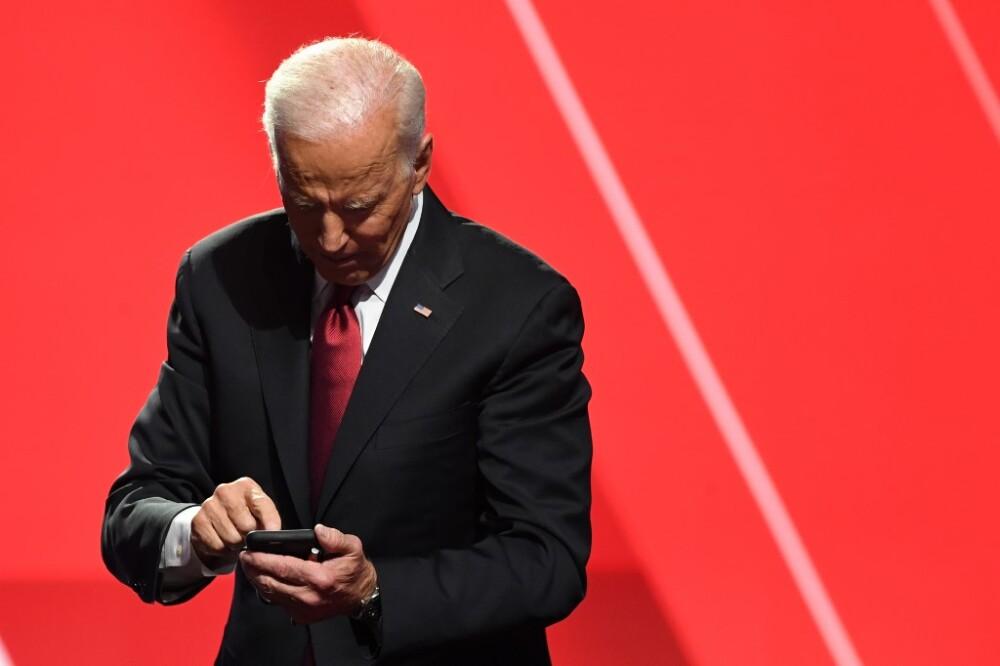 Joe Biden - teléfono - Foto AFP