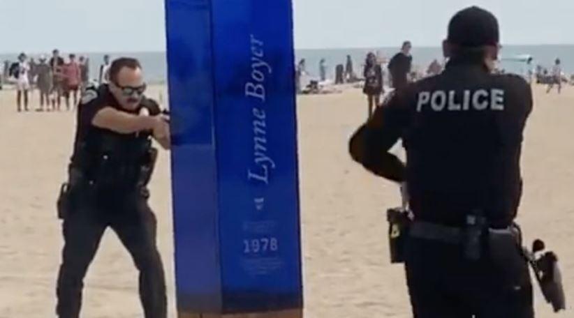 Policias-surf
