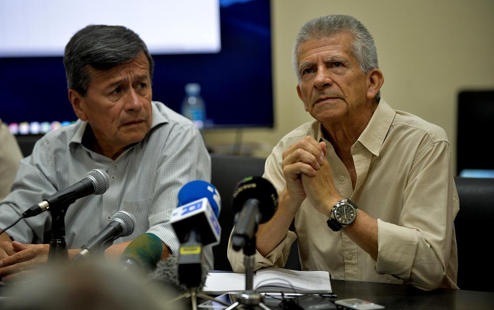 345699_BLU Radio. 'Pablo Beltrán' y 'Aureliano Carbonell' // Foto: AFP