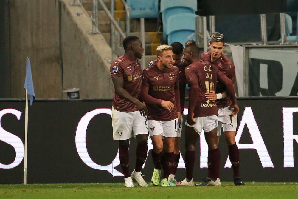 Gremio v Liga Deportiva Universitaria - Copa CONMEBOL Sudamericana 2021