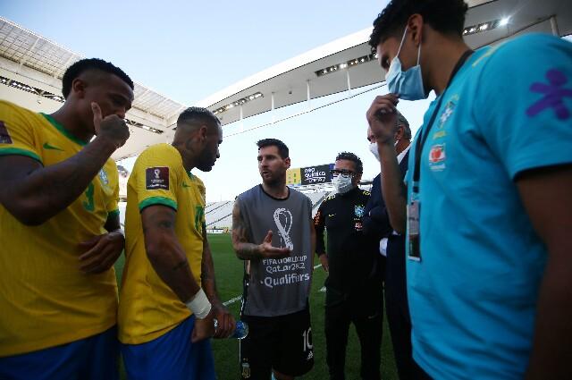 Neymar y Lionel Messi, tras el escándalo en Brasil vs. Argentina