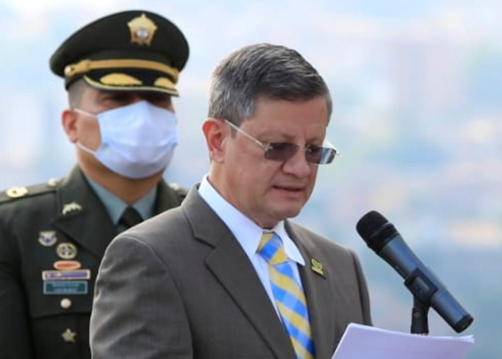 374867_Gobernador (e) de Antioquia, Luis Fernando Suárez // Foto: Twitter @LuisFSuarezV