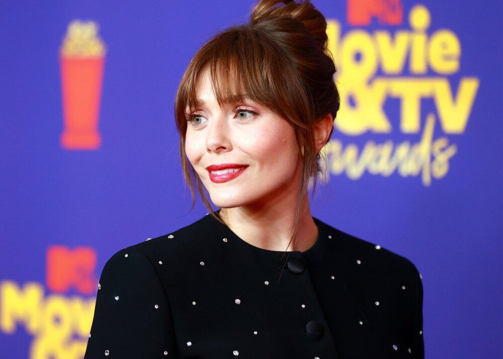 Elizabeth-Olsen-MTV-movie-Awards-2021.jpg