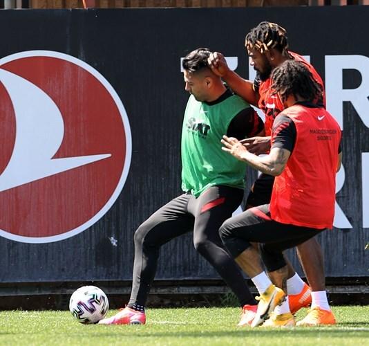 Entrenamiento Galatasaray Falcao García 070421 Galatasaray E.jpeg