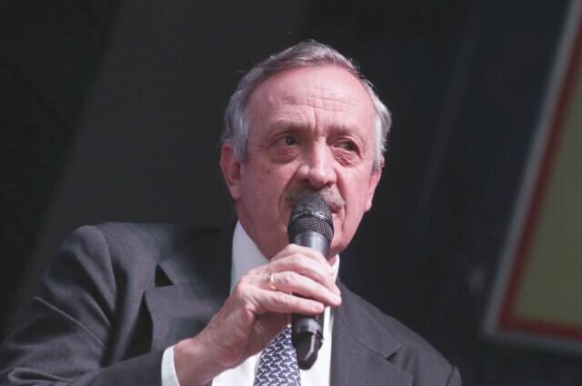 334666_Enrique Camacho, presidente de Millonarios en conferencia de prensa.