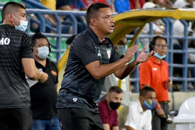 César Torres, técnico de Jaguares